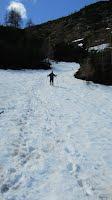 Walking down through the snow at Sleme
